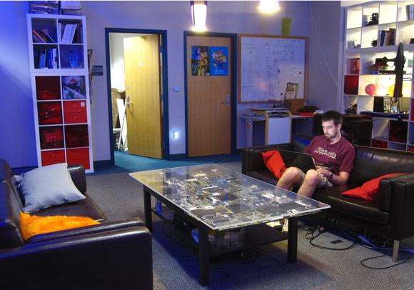 Diy circuit board table decor sainsmart - Table circuit ...